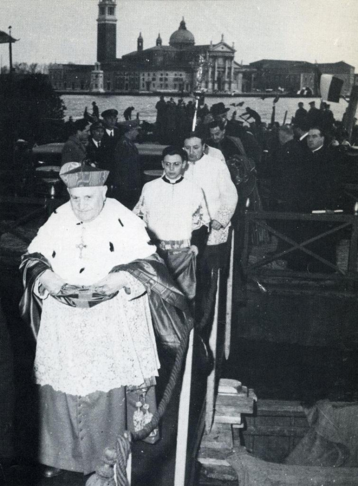 Cardinal Roncalli, cappa magna, Jean XXIII