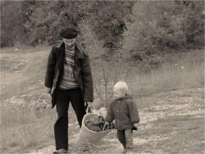 bricolage, enfants, joie, loisirs, papa, paternité, sainteté, famille, hommes adorateurs